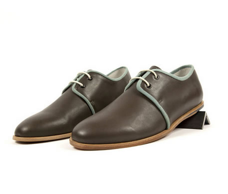 These minimalist Zuriich Shug Low Canteen dress shoes are perfect for a simple man looking for a great dress shoe with a touch of Zuriick flair