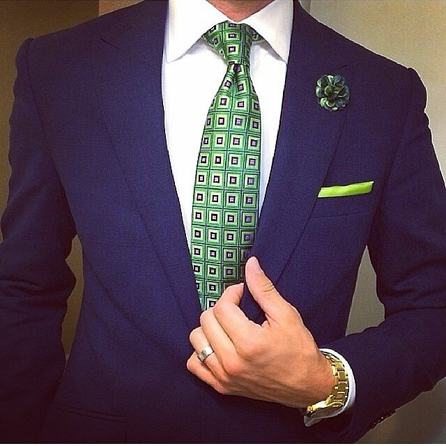 navy power suit green tie