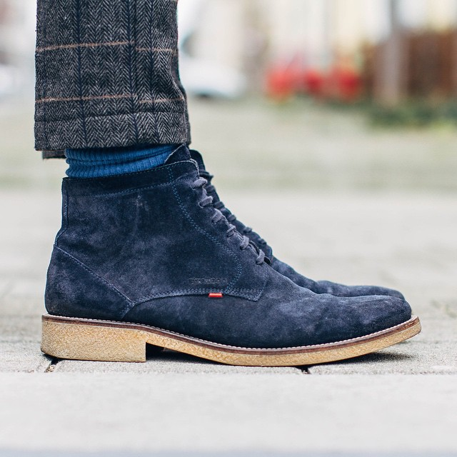 gorgeous navy suede boots
